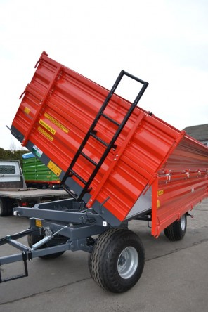 Przyczepa rolnicza dwuosiowa MD802; ładowność 8000kg