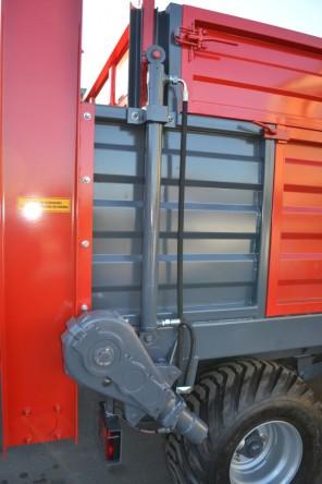 Rozrzutnik obornika Tandem MR802; ładowność 8000 kg